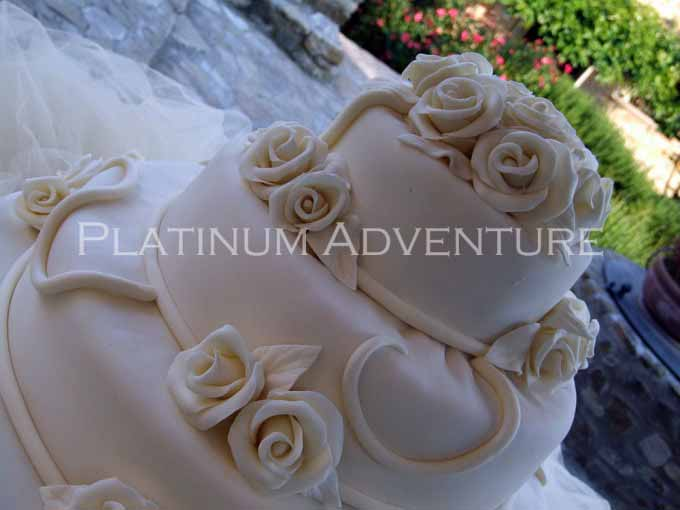 American, traditional fresh italian, cups of champagne... The main thing is that Your cake is unique and great!